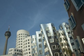 Dusseldorf - katalog miast - Why Not Fly