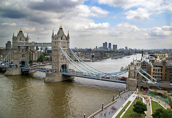 Tower Bridge - katalog miast Why Not Fly